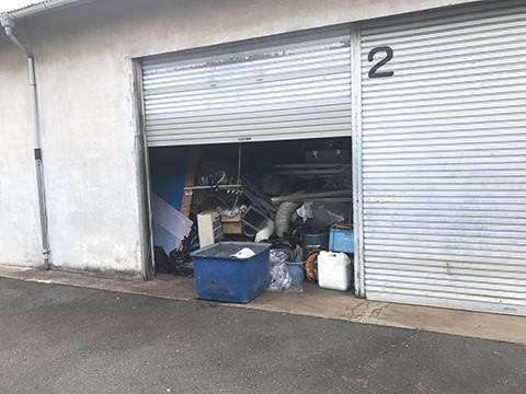 倉庫内いっぱいの回収物
