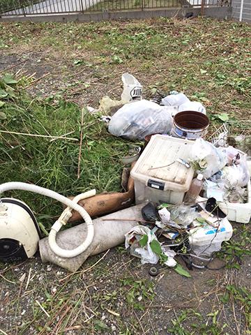 不法投棄物の数々