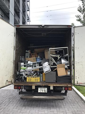 トラックいっぱいになりました
